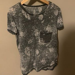 American Eagle short sleeve shirt